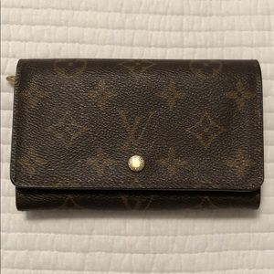 Louis Vuitton Monogram wallet porte monnaie